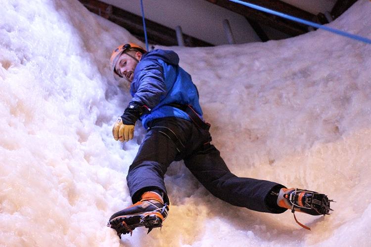 vertical-chill-indoor-climbing-ellis-bringham-covent-garden-tom-wheatley