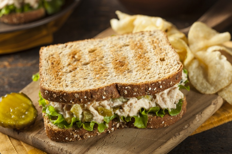 Healthy Tuna Sandwich with Lettuce